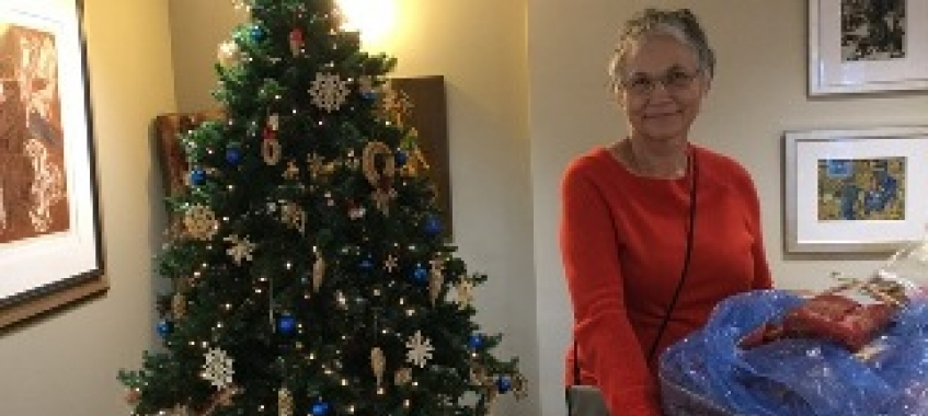 Christmas gifts for moms in the nursing home